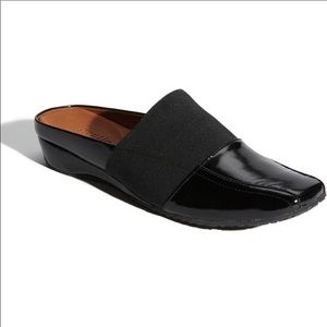 Gentle Souls iso black patent leather mule